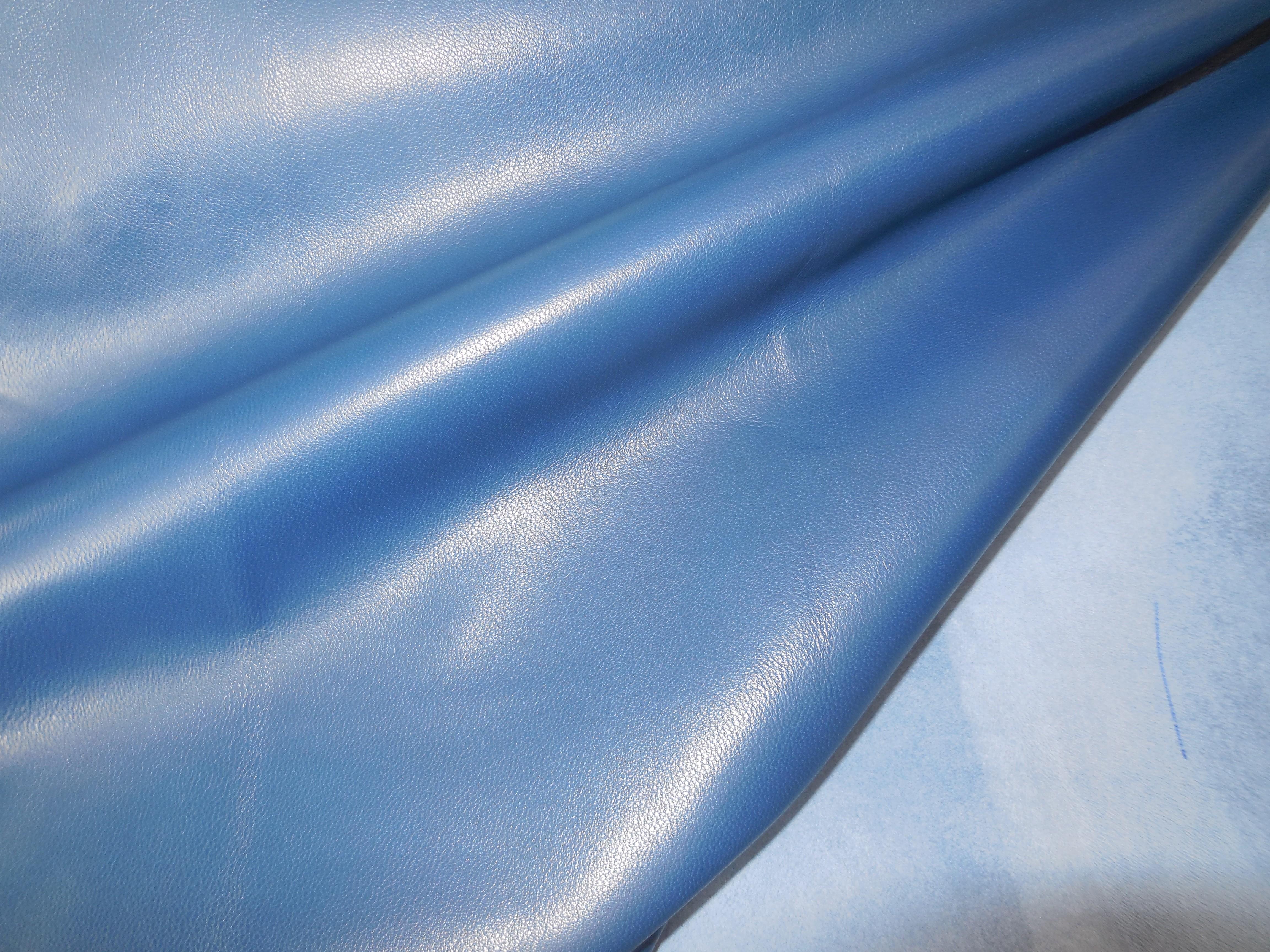 Skóra naturalna odzieżowa, licowa granatowa-Spodnica ze skóry naturalnej granatowa -  Granatowa sukienka ze skóry naturalnej , Skora naturalna granatowa cienka_ skóra naturalna odziezowa granatowa- Skora naturalna odzieżowa granatowa - sprzedaż skór natur