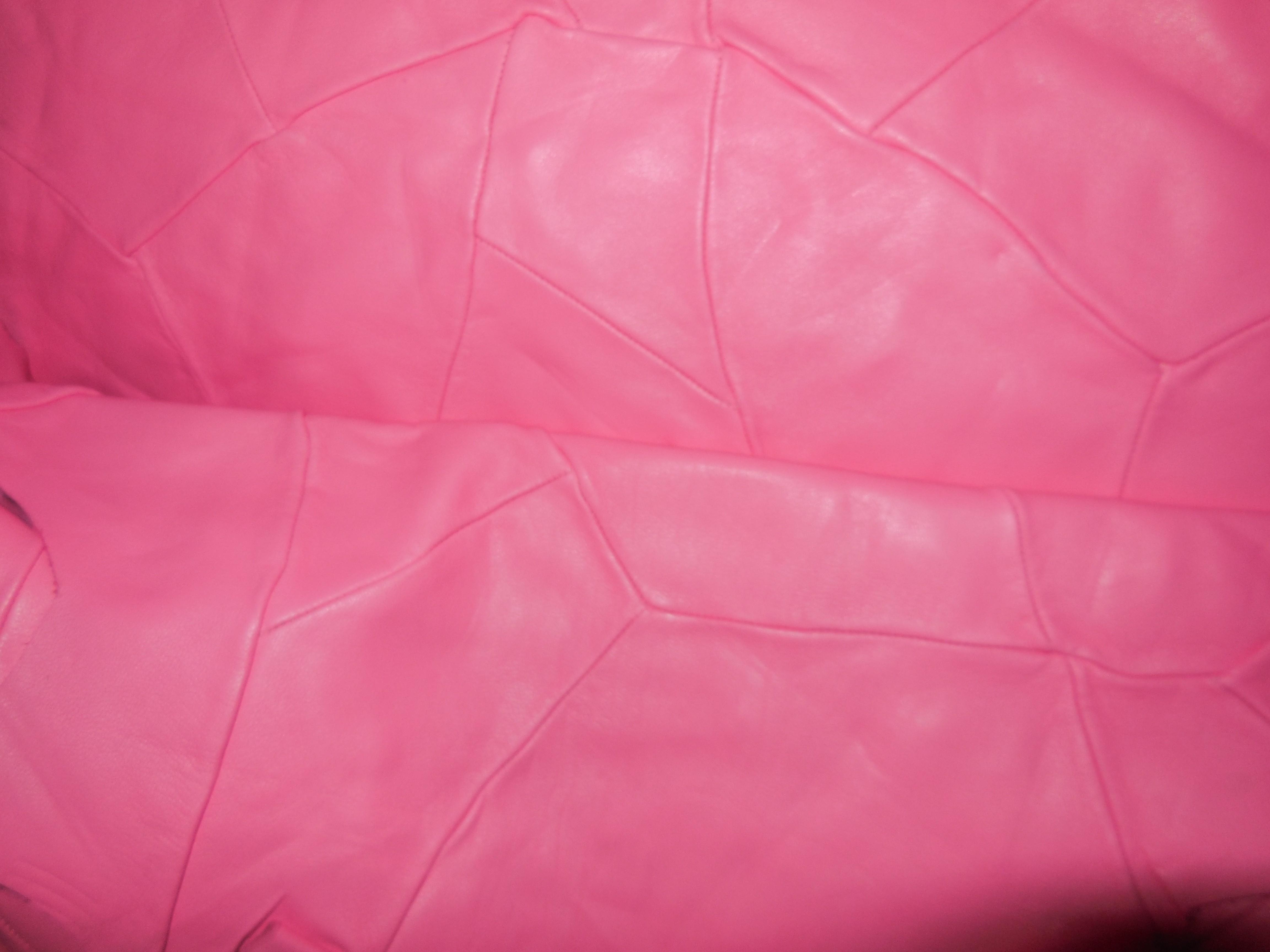 Ekskluzywna skóra naturalna licowa, miękka w  ślicznym różowym kolorze. Skóra naturalna licowa różowa sprzedaż - skory naturalne hurtownia w Leather-design.eu