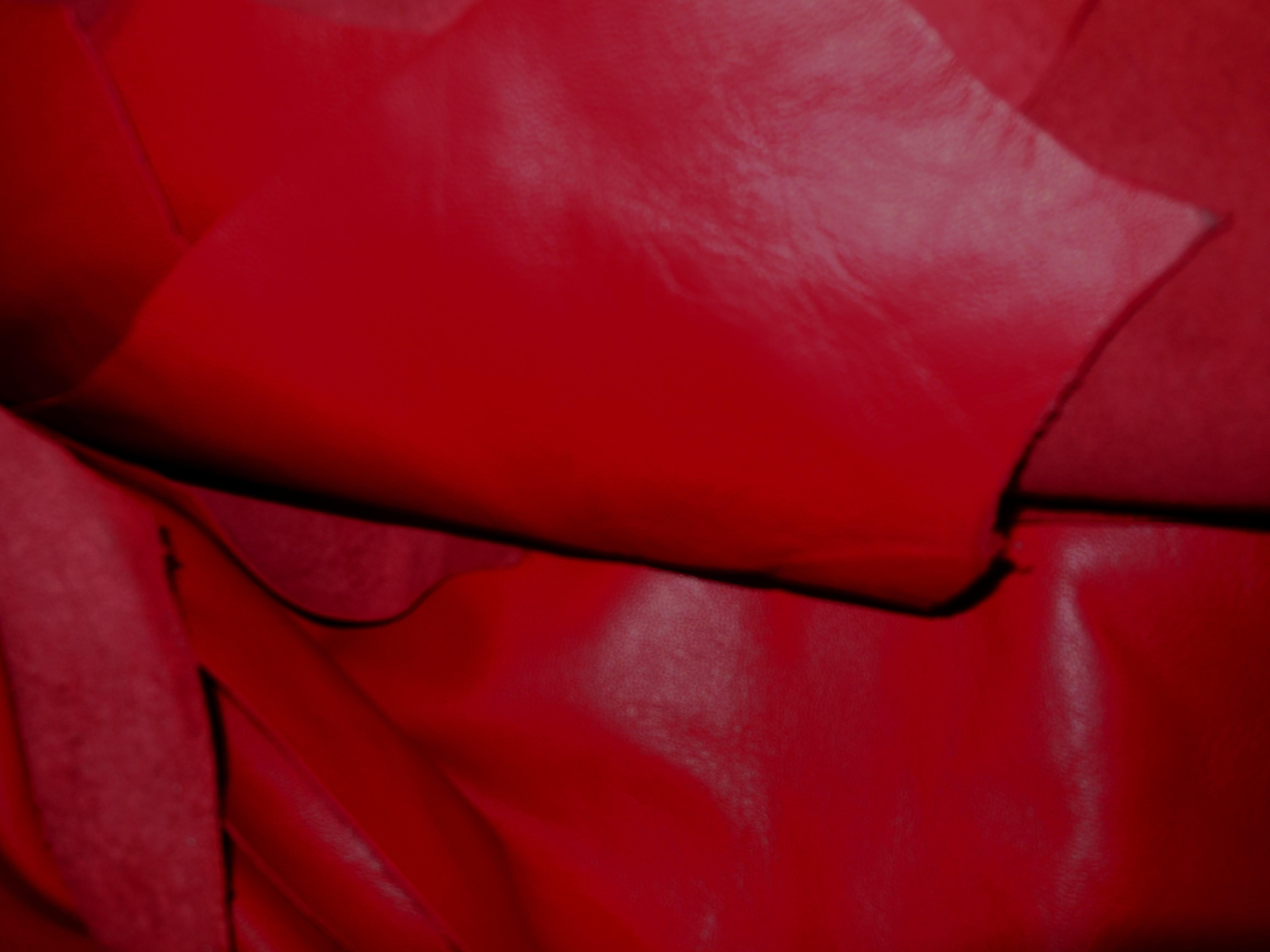 Sukienka ze skóry naturalnej czerwona - Spódnica ze skóry naturalnej czerwona -Ekskluzywna włoska skóra naturalna w kolorze pięknej czerwieni na spodnice, sukienki, żakiety , kurtki i inne.